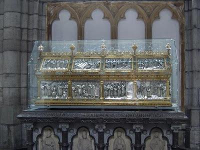 http://3.bp.blogspot.com/_Fp7FSoWENiA/SvaAUXvFmjI/AAAAAAAAH6E/GNQkSQ2YjsQ/s400/Liege-cathedral%5B4%5D.jpg