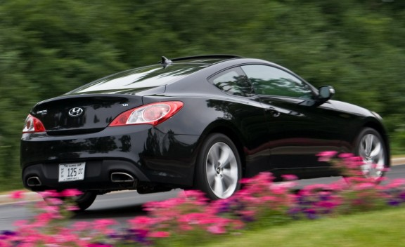 best car and wheels 2010 hyundai genesis coupe 3 8 v6 automatic. Black Bedroom Furniture Sets. Home Design Ideas
