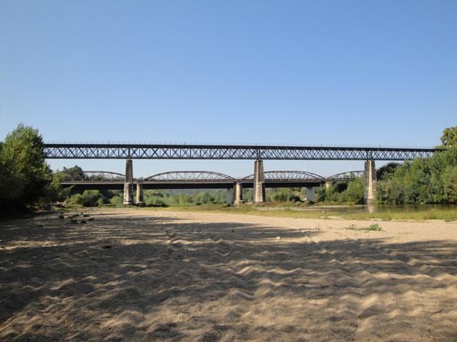 Ponte da Portela sobre  o Rio Mondego.