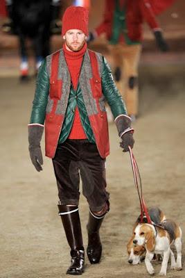 La collezione Autunno-Inverno 2011 12 si ispira agli sport della caccia e  dell equitazione. I capi hanno sempre una matrice sartoriale c1515e5b301