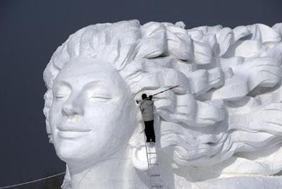ابــداع الــثــلـج snow_sculptures_harb