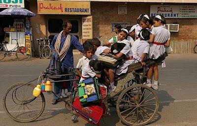 [Image: school_buses_in_india_04.jpg]