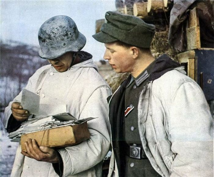 Jedlel and Dramatic Critic: WW2 in Color