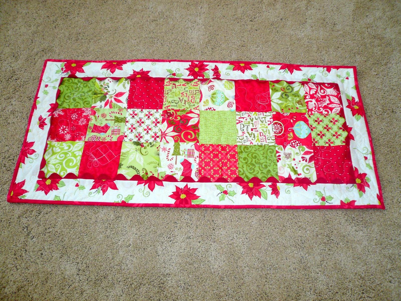 Craftin' Cami: Christmas Table Runner