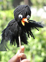 http://www.ordinarylifemagic.com/2009/09/crow-puppets.html