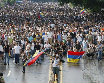 http://3.bp.blogspot.com/_G5V3cov8QaA/SjmgJa_SQTI/AAAAAAAABtk/_hj5pIXbhcA/s400/2007-05-30-sl--protesta_venezuela_-_74352452.jpg