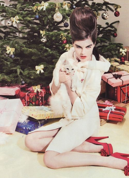 Vogue French Magazine Subscription: Pink Lemonade : Merry Christmas