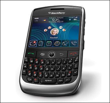 https://i2.wp.com/3.bp.blogspot.com/_GCkd3TWFI_0/SwGDsxT0_xI/AAAAAAAAFOg/5o1dJ8YWf28/s400/blackberry+bold+9700.jpg