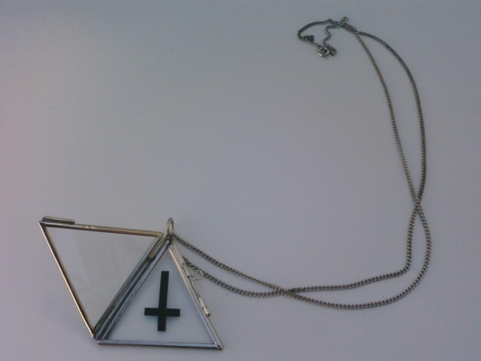 LOVE   LUST  Skeleton x Inverted CrossInverted Triangle Wallpaper