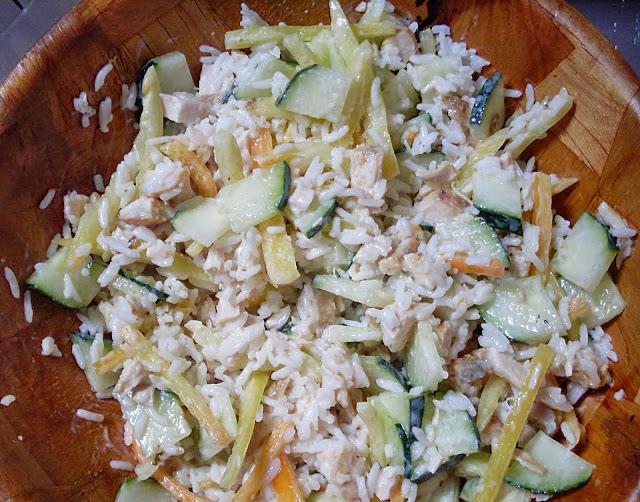 Salata sa pirinčem i piletinom