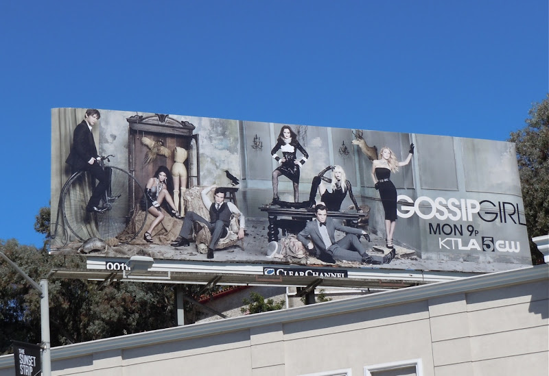 Gossip Girl season 4 TV billboard