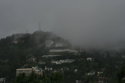 Los Angeles in the rain - The Hollywood Hills