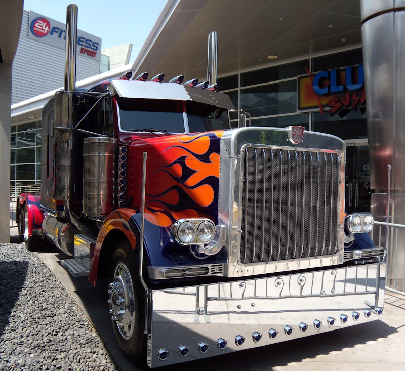 Transformers 2 Autobot Optimus Prime truck movie prop