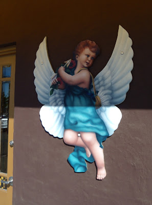 Gaco Chicano store cupid angel