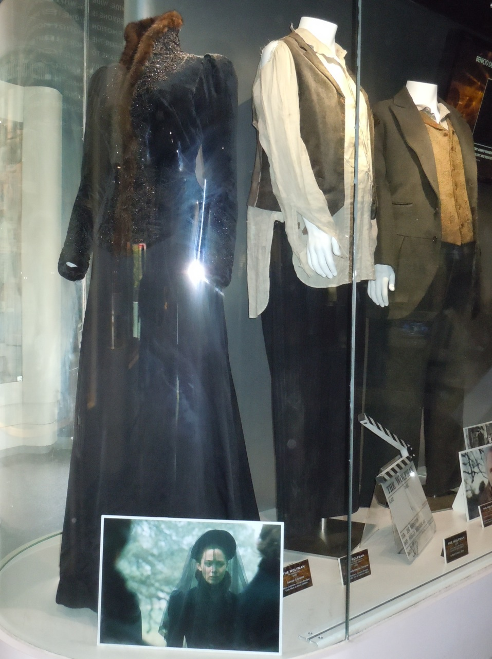 Original Wolfman movie costumes & Hollywood Movie Costumes and Props: Period costumes from The Wolfman ...