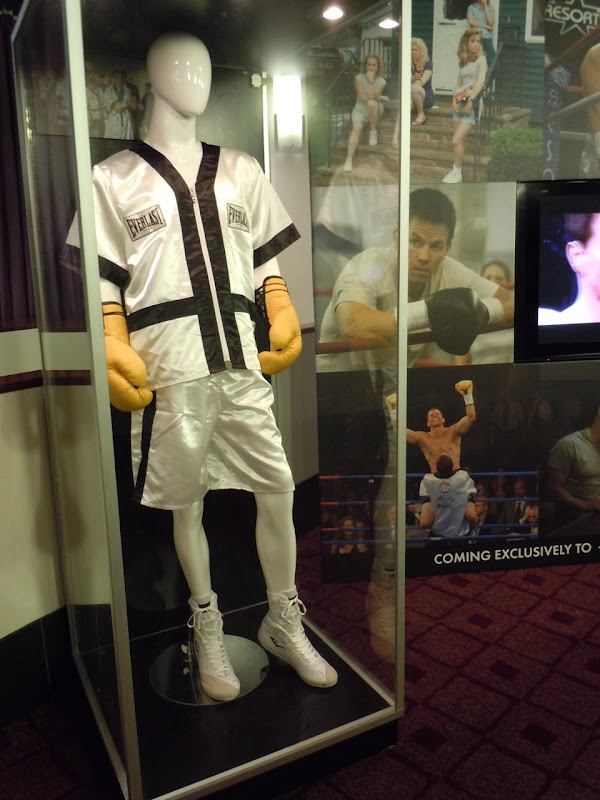 Mark Wahlberg The Fighter movie outfit