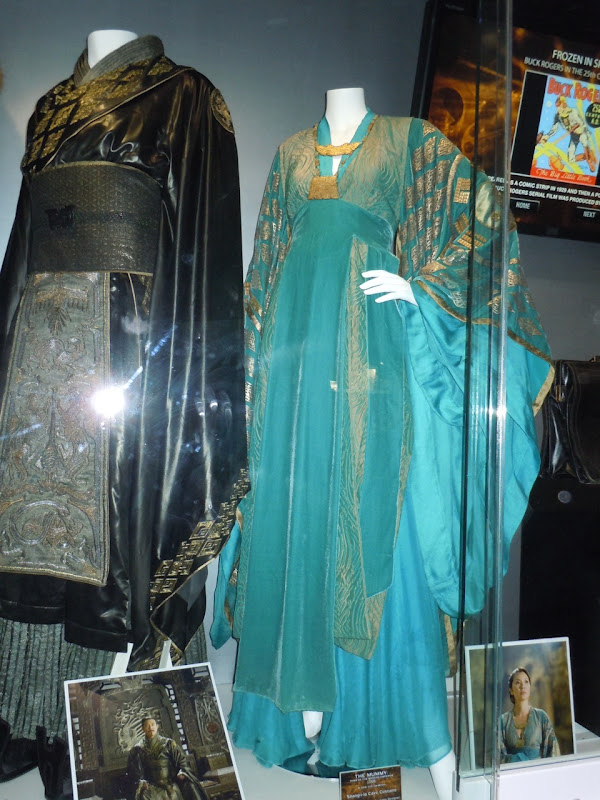 Mummy 3 Jet li and Michelle Yeoh costumes