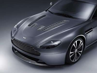 Wallpapers Aston Martin V12 Vantage
