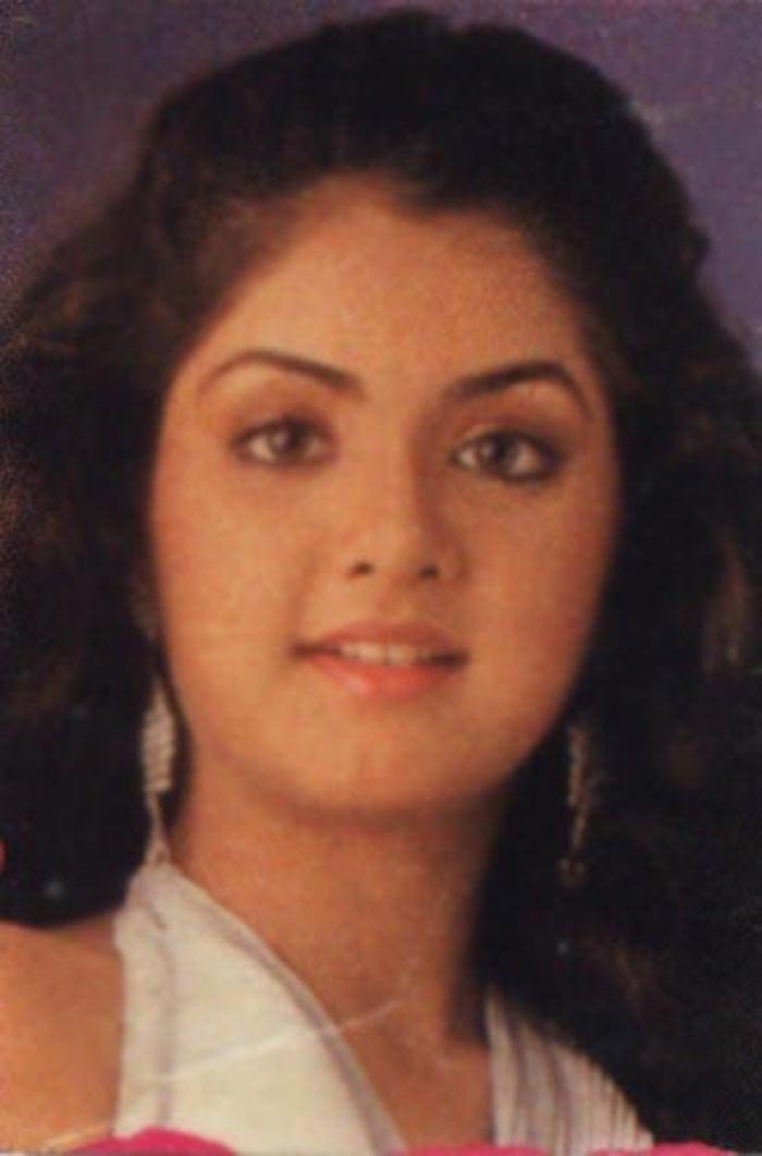 Desi Hot Indians Actress Photos Divya Bharati Hot Photos -8036