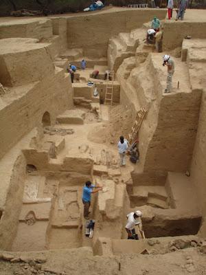 Un tumi de la culture Sican découvert pour la première fois sur un site de fouilles