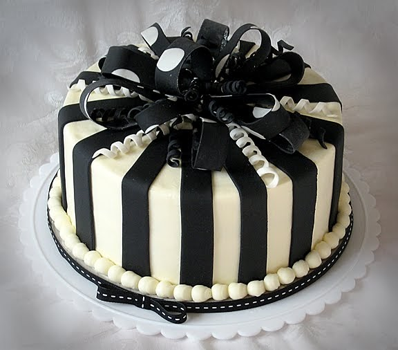 Truly Custom Cakery, LLC: Black And