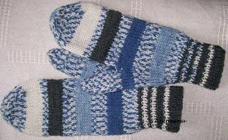 9f66fb99190379 Prezentuję ukończone rękawiczki męskie - kciuk wykonany sposobem klinowym: