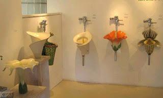 baño floral ingenioso y creativo
