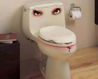 baño ingenioso, creativo y asesino