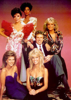 moda de cabello y ropa de los 80s