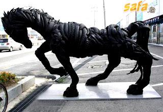 Esculturas con llantas recicladas
