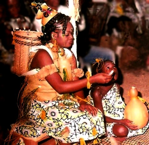 gladys%2Bfanny%2Bmariage%2B assise%2Btabouret%2Bavk%2Bfille%2Bd%2527honneur2%2Bbis Teke (Bateke/Tio) People: Ancient Riverine Warriors, Cultural Dominant And Politically Powerful Ethnic Group In Central Africa
