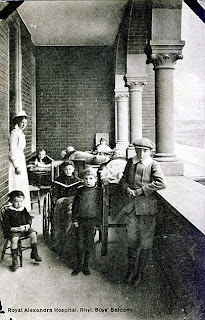Boys' balcony