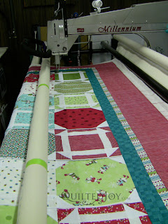 Snowflake Latte Quilt on the APQS Millie Frame - QuiltedJoy.com