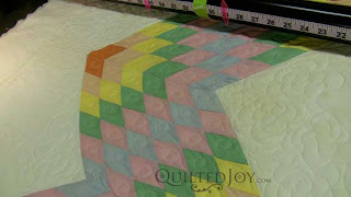 Lone Star Quilt in Pastel, quilted by Angela Huffman