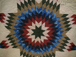 Cascade Pantograph - Bettye's Lone Star Quilt, quilted by Angela Huffman