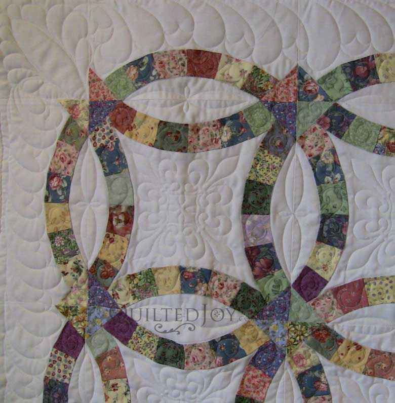 debbie made this quilt to hang at the cabbage patch settlement house here in louisville - Wedding Ring Quilt Pattern