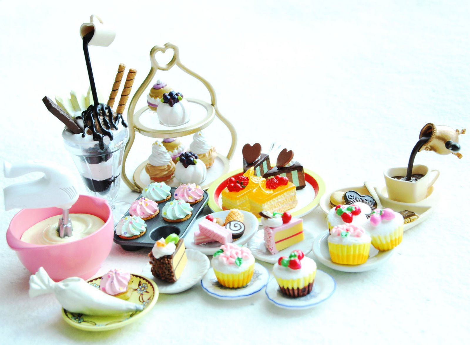 miniature cake jewellery, miniature food jewellery, cute quirky jewellery
