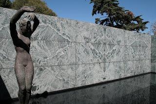 Pabellón de Alemania. Mies van der Rohe. Escultura.
