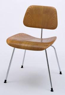 Silla eames plywood de charles y ray eames revista arquitectura y dise o inspirate con - Silla charles eames ...