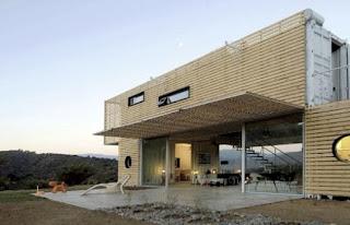 Casa con materiales reciclados