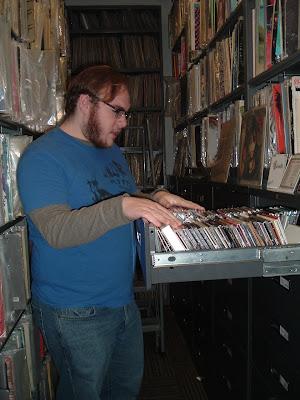 Spinning Indie: Radio Station Field Trip 7 - Northwestern's WNUR