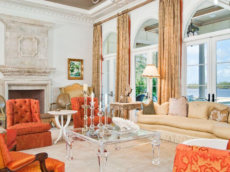Fashionistas Beware Living Room Habitat Room Stanza di