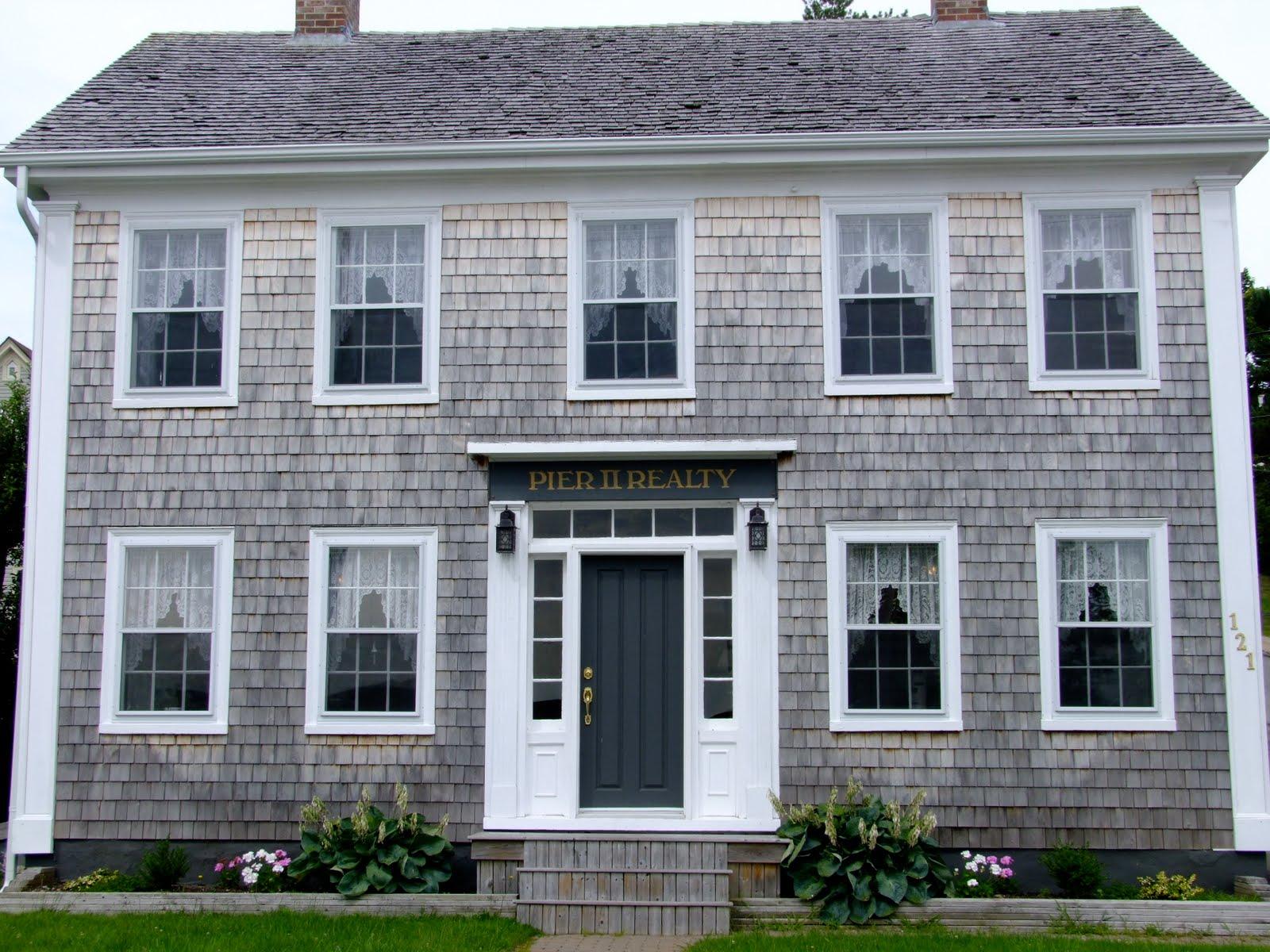DSCF3635 Grey Cedar Shake House Plans on one story, for siding,
