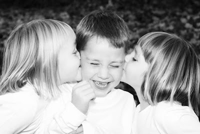Cute Baby Girl Wallpapers For Facebook Cover Kids Kissing Pictures