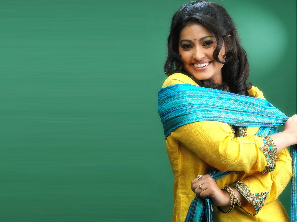 Addposting: Tamil Actress Wallpapers Free Download