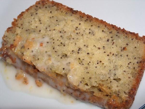 Pão, Bolos E Cia.: MY NAN'S LEMON DRIZZLE CAKE / BOLO