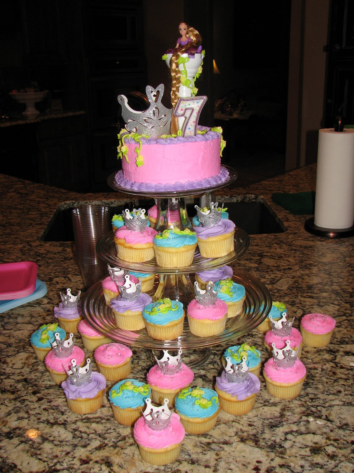 Rapunzel Princess Birthday Cake Cupcakes