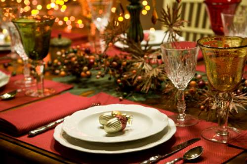 house of decor: Christmas Dinner Table Setting
