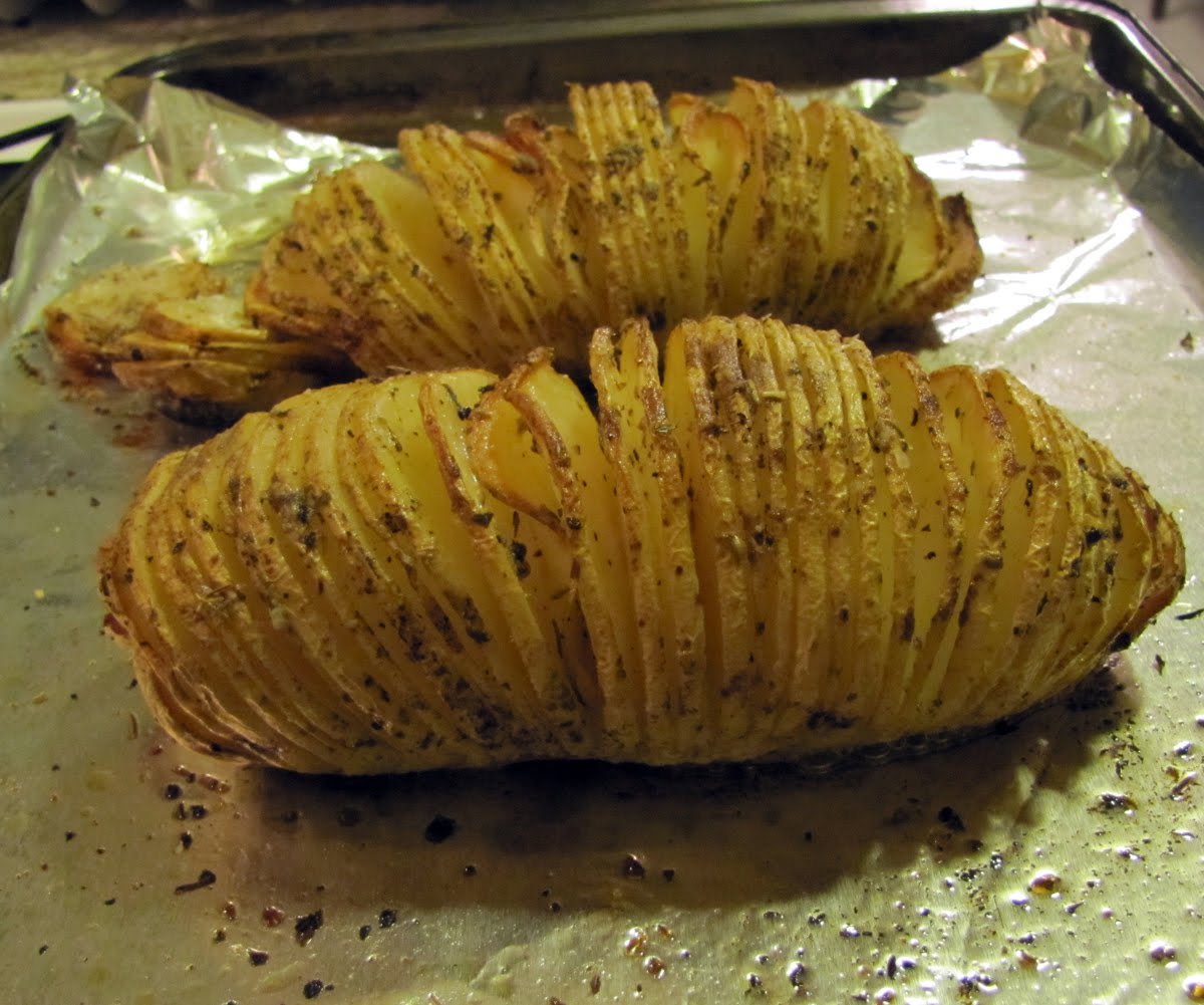 Smells Like Food in Here: Russet Baked Potato Fans aka ...