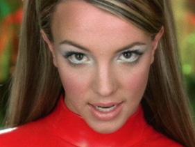 Miss Vixen S Vanity The Britney Era Get Her Makeup Look
